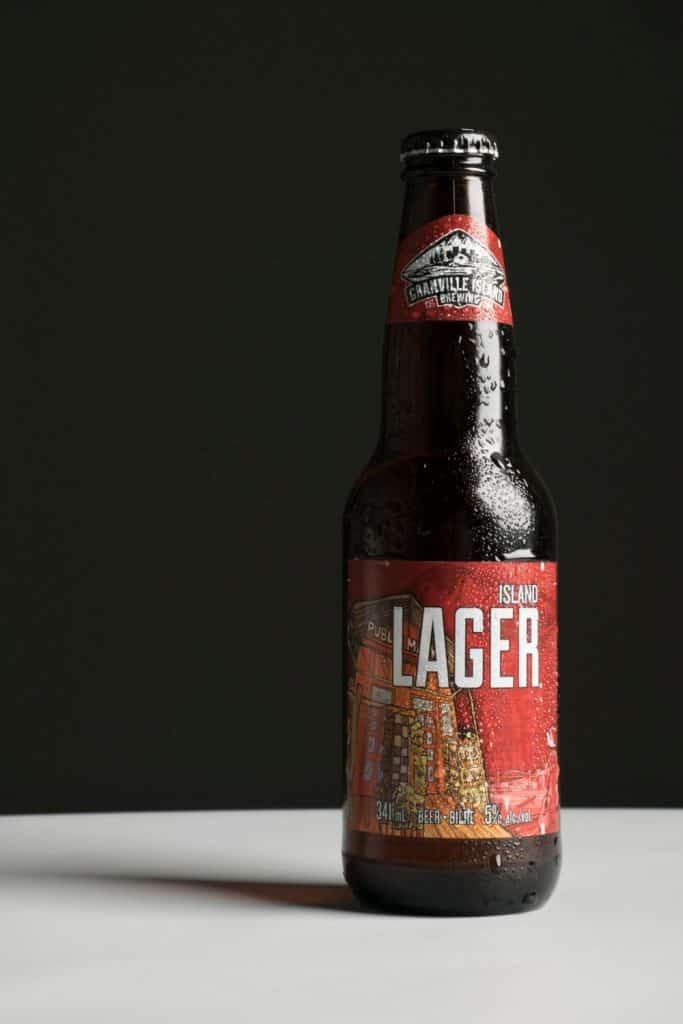 horizon line background beer